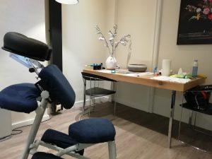stoelmassage-massage-op-het-werk-massage-op-kantoor-Linea-Directa-Ontspannen-werken-Jolanda-Touw-stoelmasseur-Leiden-ontspannenwerken.nu